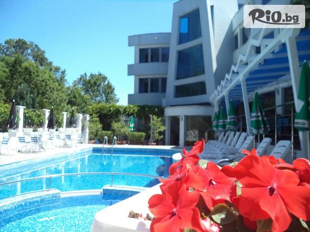 Семеен хотел Ариана Галерия снимка №1