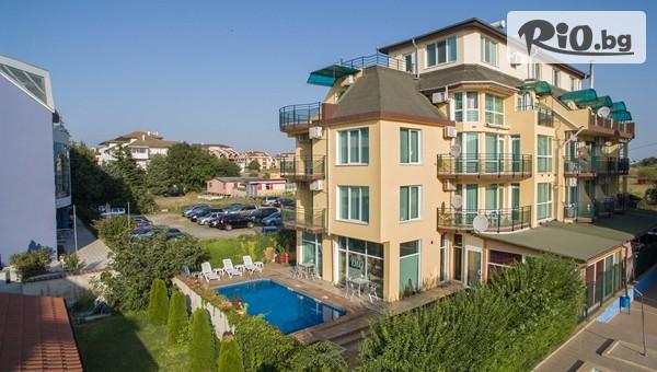 Хотел Ривиера 3* между Равда и Несебър #1