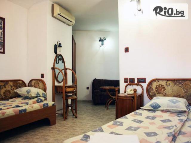 Хотел Рони Галерия #13