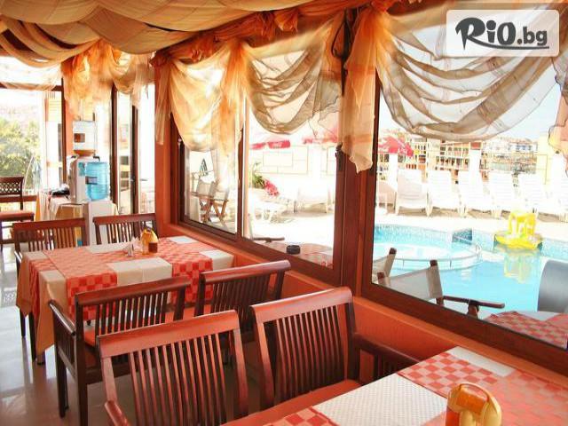 Хотел Аполис Галерия #13