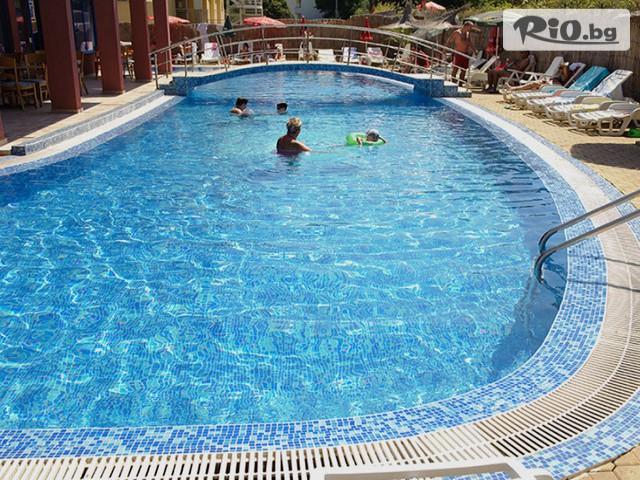 Хотел Надя Галерия снимка №3