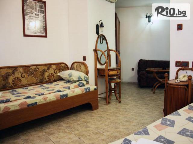 Хотел Рони Галерия #14